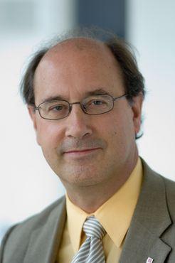 Bernard Schutz